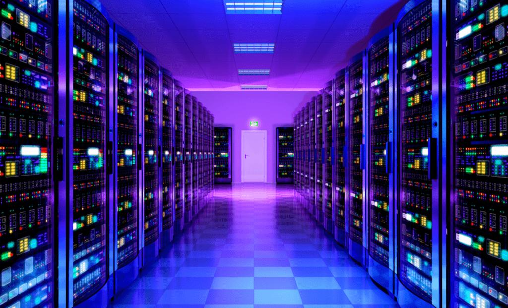 Máy chủ thường được lưu trữ tại công ty cung cấp dịch vụ hoặc ở DataCenter